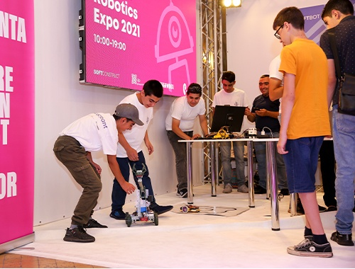 В этом году количество участников Всемирной олимпиады роботов увеличилось вдвое